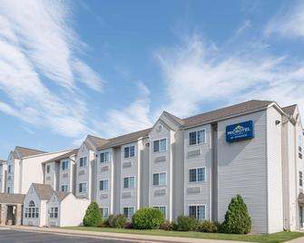 Microtel Inn & Suites by Wyndham Rice Lake - Rice Lake - Edificio