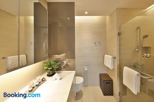 Pan Pacific Serviced Suites Beach Road, Singapore - Singapore - Bathroom