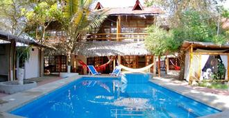 Hotel Sumpa - Montañita (Guayas) - Piscina