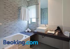 Villa Doris Suites - Lagos - Bathroom