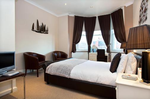 Ashmira - Weymouth - Bedroom