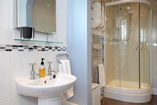 Ashmira - Weymouth - Bathroom