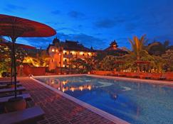 Amazing Bagan Resort - Bagan - Pool
