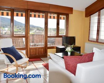 Apartamentos Montejurra - Ayegui - Living room