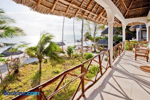 Blue Oyster Hotel - Пляж Jambiani - Балкон