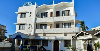Cool Breeze Hotel Mombasa - Mombasa