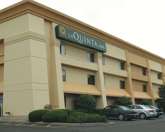 La Quinta Inn by Wyndham Indianapolis Airport Executive Dr - Indianapolis - Building