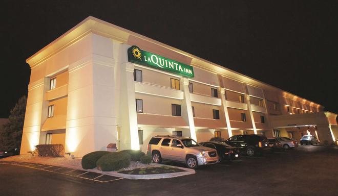 印弟安納波里斯機場行政大道拉昆塔套房酒店 - 印第安那波里 - 印第安納波利斯 - 建築