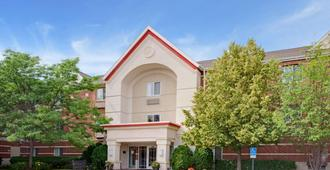 MainStay Suites Greensboro - Greensboro - Building