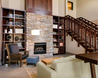 Country Inn & Suites by Radisson, Madison West, WI - Middleton - Lounge