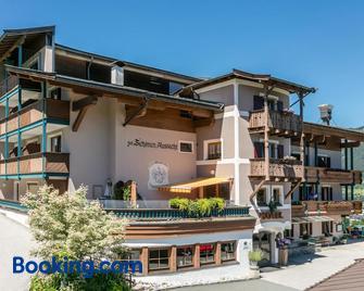 Hotel-Gasthof zur Schönen Aussicht - St. Johann in Tirol - Building