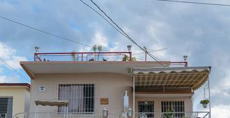 Hostal Casa Perla - Cienfuegos - Building