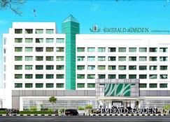 Emerald Garden International Hotel - Medan - Edifício