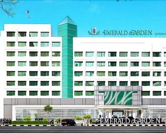 Emerald Garden International Hotel - Medan - Building