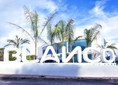 Blanco Hotel Formentera - Es Pujols - Außenansicht