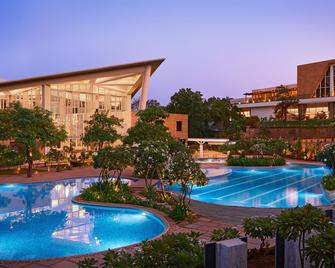 Taj Aravali Resort & Spa - Udaipur - Pool