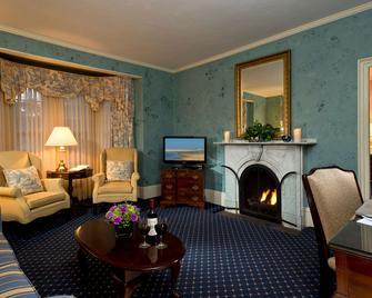 The Dan'l Webster Inn and Spa - Sandwich - Obývací pokoj