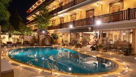 At Chiang Mai Hotel - Chiang Mai - Pool
