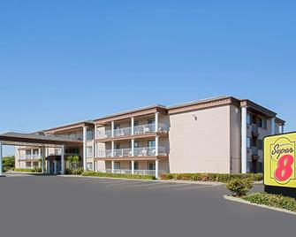 Super 8 by Wyndham Oroville - Oroville - Building