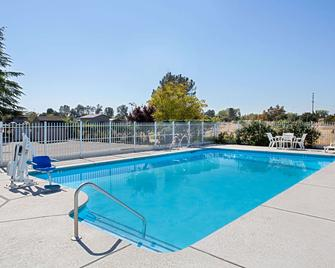 Super 8 by Wyndham Oroville - Oroville - Pool