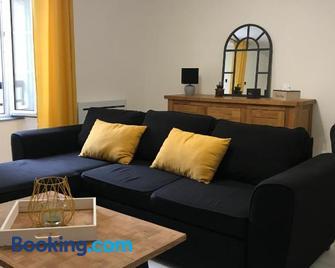 Appartement centre historique Neufchâteau - Нефшато - Living room
