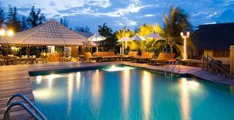 拉瓦納遺忘海灘度假酒店 - Pranburi - 華欣 - 游泳池