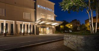 DoubleTree by Hilton Raleigh - Brownstone - University - Raleigh - Edificio