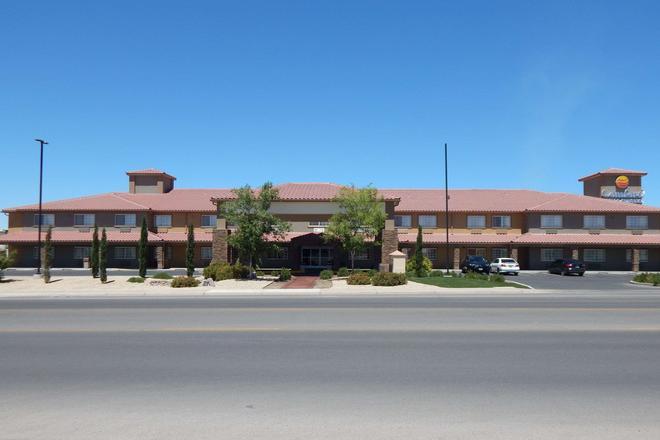 Comfort Inn & Suites - Las Cruces - Building