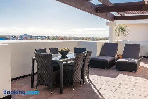 Fino Hotel & Suites - Christchurch - Balcony