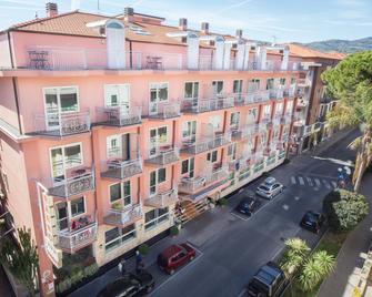 Sasso Hotel & Residence - Діано-Марина - Building