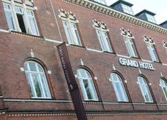 First Hotel Grand - Odense - Gebäude