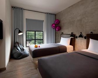 Moxy Bandung - Бандунг - Bedroom