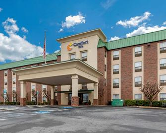 Comfort Inn Aikens Center - Martinsburg - Building