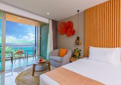 Wyndham Grand Phuket Kalim Bay - Bãi biển Kamala - Phòng ngủ