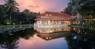 Sofitel Angkor Phokeethra Golf And Spa Resort - Siem Reap - Building