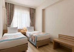 Ramada Resort by Wyndham Lara - Antalya - Makuuhuone
