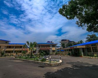 Bharatpur Garden Resort - Bharatpur - Building