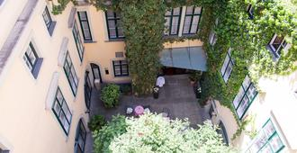 Hotel Mailberger Hof - Vienna - Outdoor view