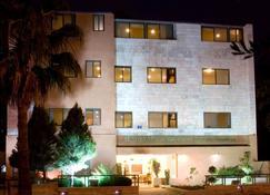 بركات للشقق الفندقية - عمّان - مبنى