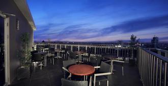 Aston Makassar Hotel & Convention Center - Kota Makassar - Balkon