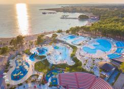 Zaton Holiday Resort - Zaton - Plage