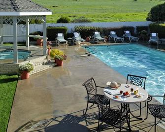 Fireside Inn on Moonstone Beach - Cambria - Pool