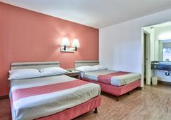 Motel 6 Flagstaff West - Woodland Village - Flagstaff - Bedroom