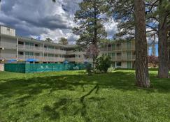 Motel 6 Flagstaff, Az - West - Woodland Village - Flagstaff - Building