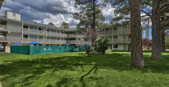 Motel 6 Flagstaff West - Woodland Village - Flagstaff - Rakennus