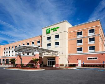 Holiday Inn Hotel & Suites Beaufort At Highway 21 - Beaufort - Building