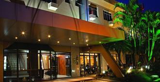 Lira Hotel - קוריטיבה