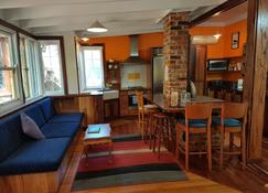 Admiral Stirling Inn - Margaret River - Living room