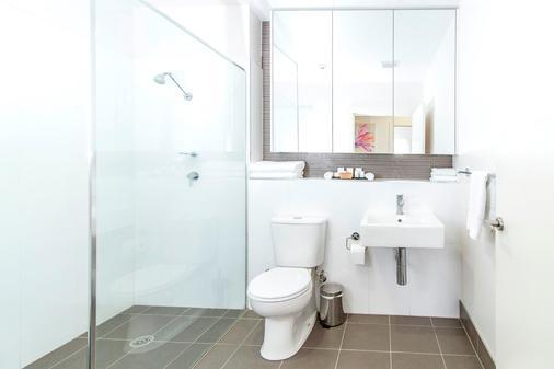 Abode Tuggeranong - Canberra - Bathroom