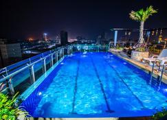 Hak Huot Hotel I - Paôy Pêt - Pool